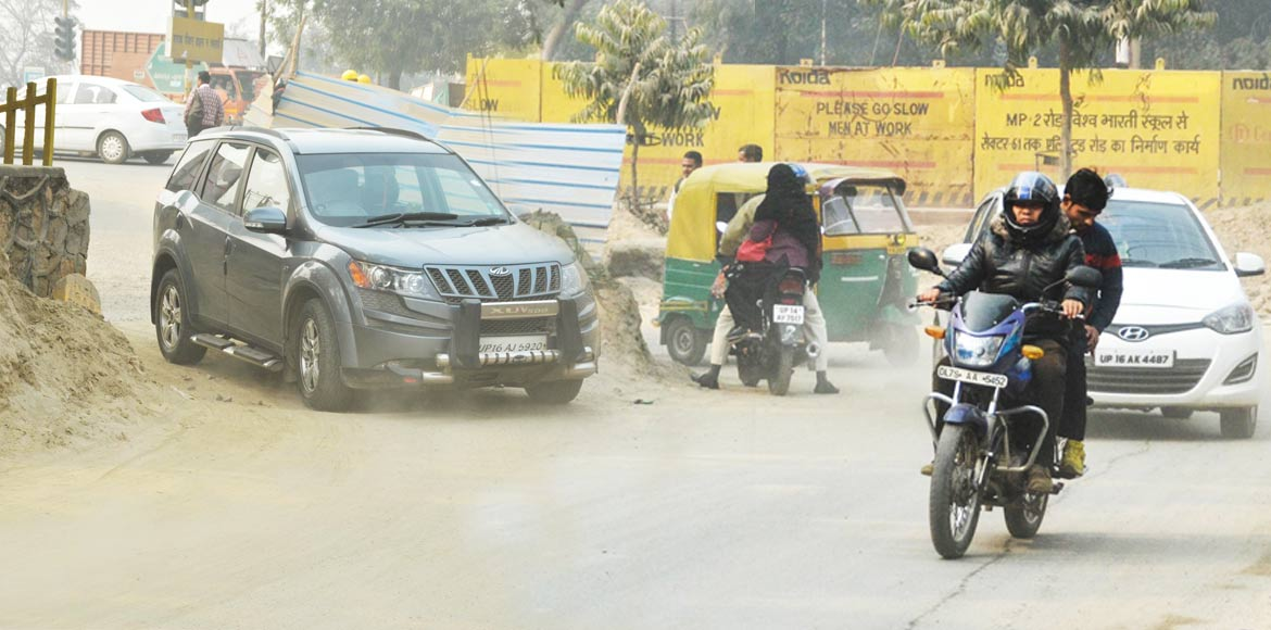 Noida Sec 33, 35 residents bite the dust