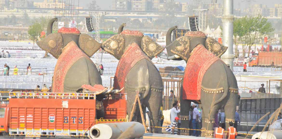 Art of Living fest weighs heavy on Noida commuters