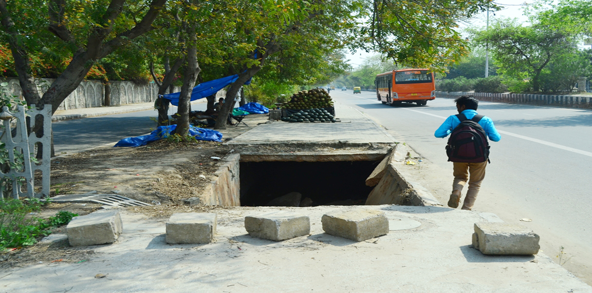Gaping holes in Dwarka's infrastructure