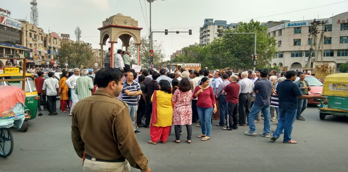 Parched Dwarka RWAs hit the road