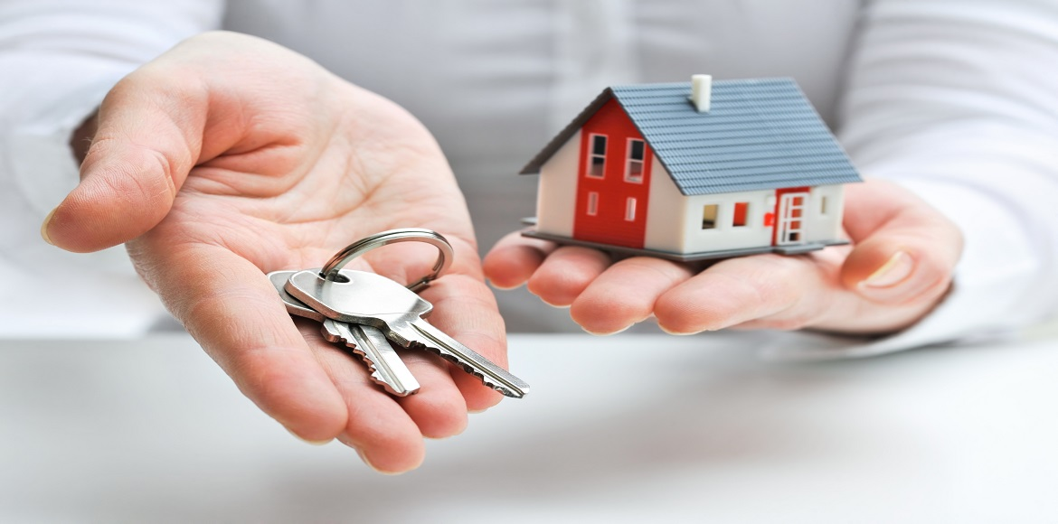 Noida district magistrate gives homebuyers hope