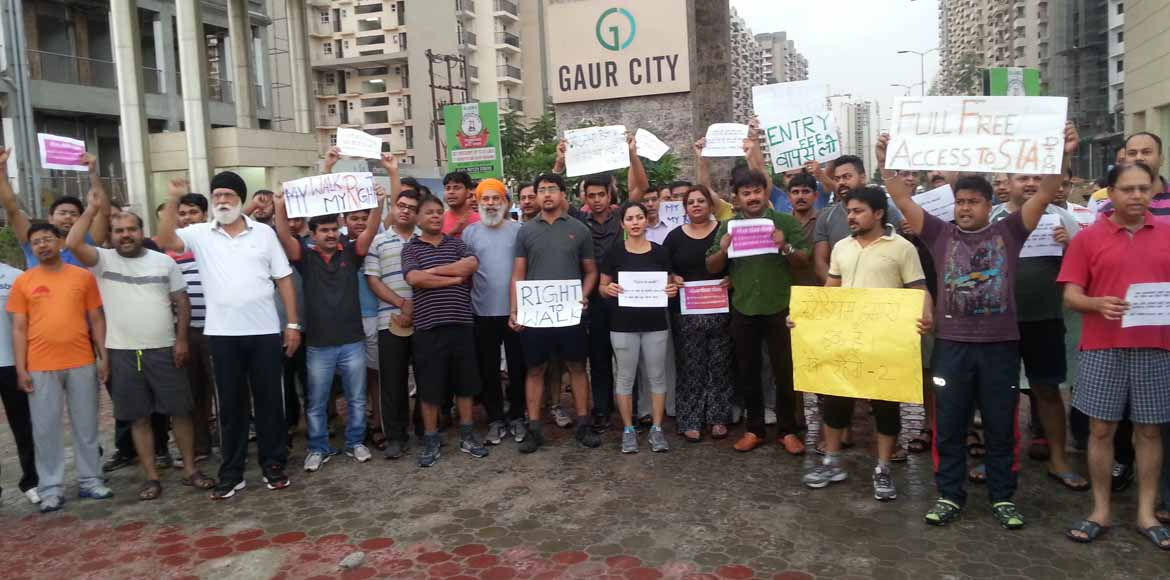 Gaur City to residents: No pay, no play