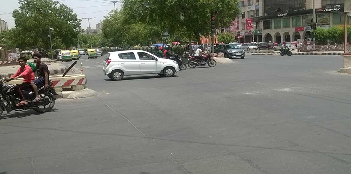Red light jumping turns Dwarka intersections into death traps