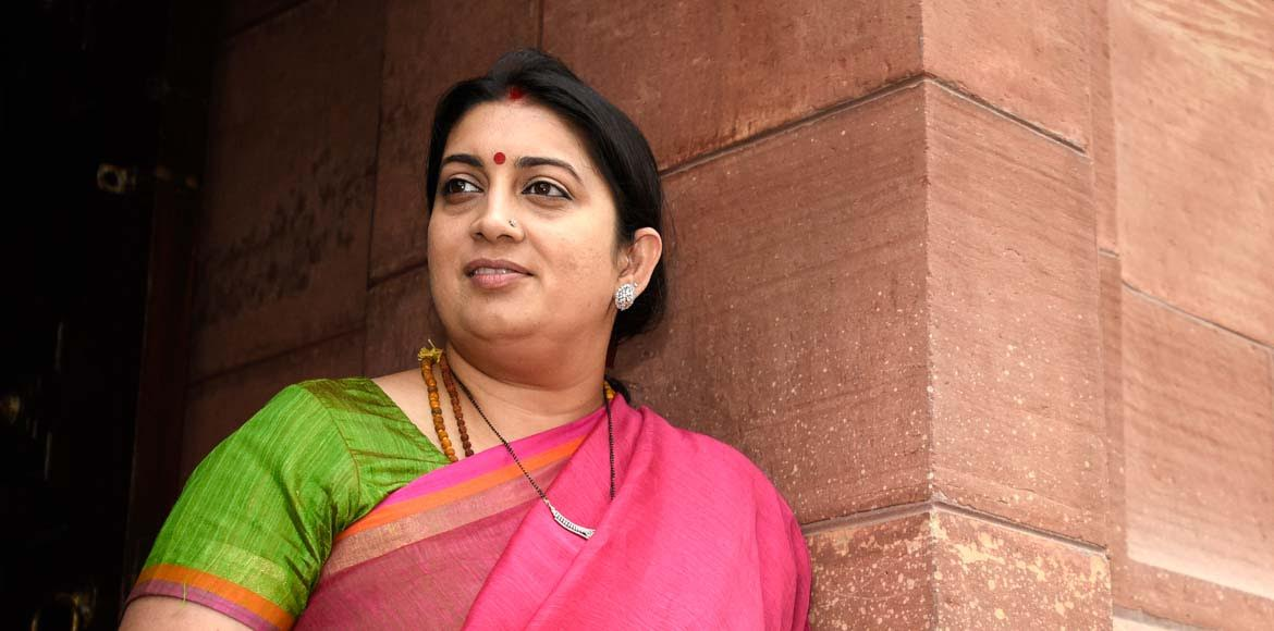 School fee hike protest reaches Smriti Irani�
