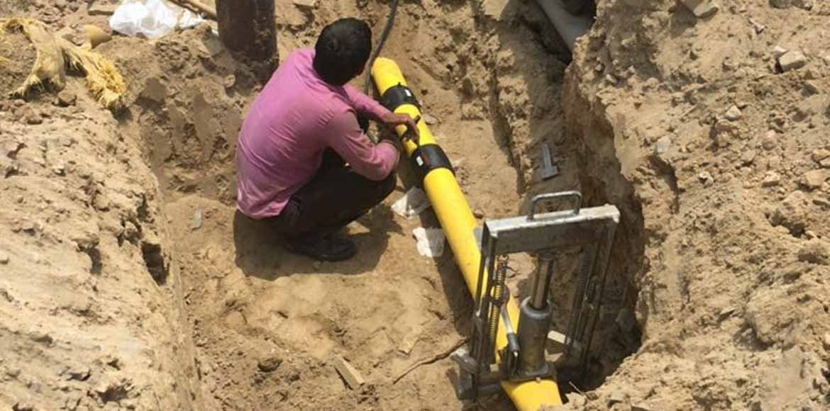 Disaster averted after gas pipeline burst in Noida