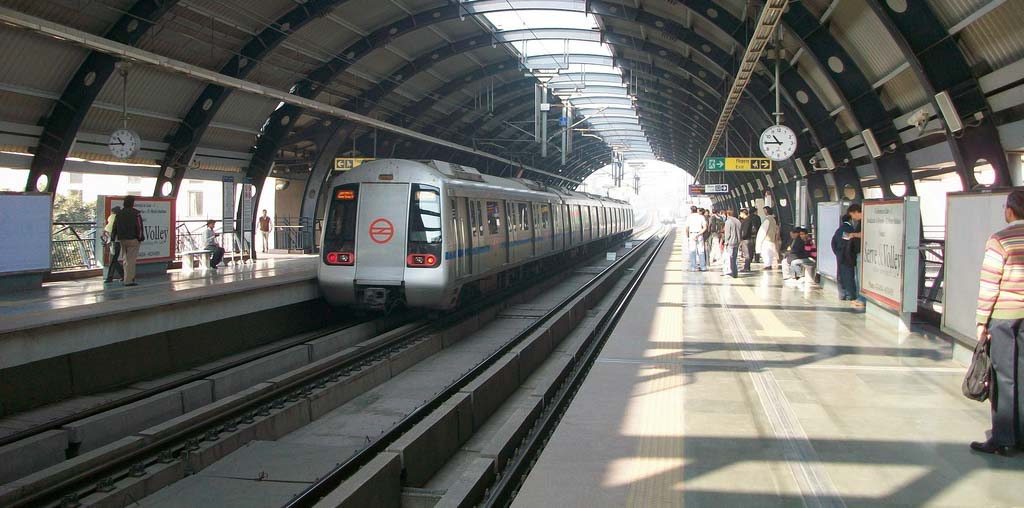 Metro arrival delayed in Noida Extension
