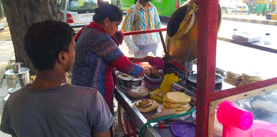 Have you met Gurgaon's chhole-kulche aunty?