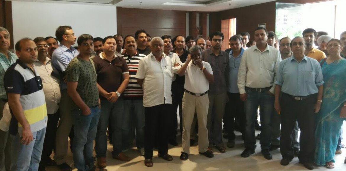 Amrapali Princely Estate, Sector 76: Homebuyers stage protest