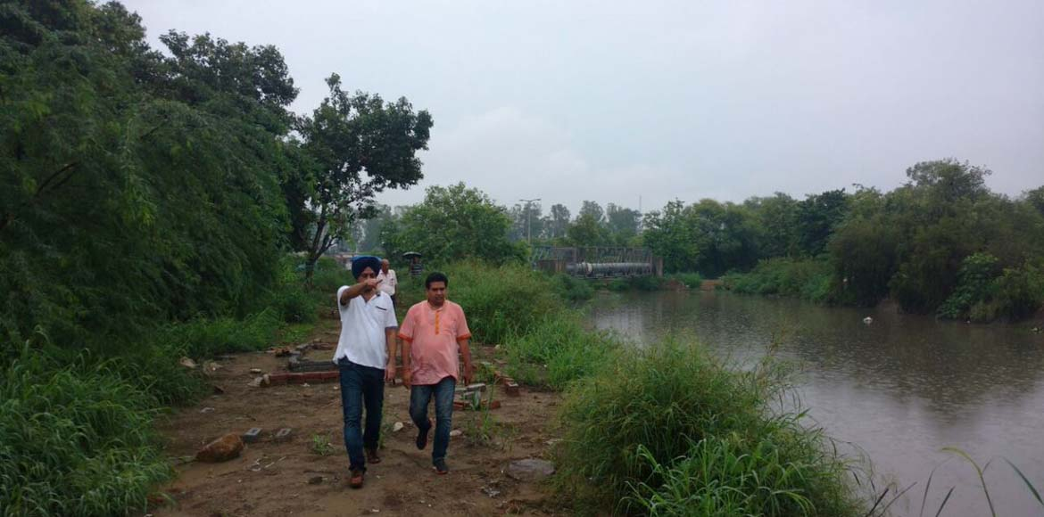 Delhi minister visits water bodies in Dwarka