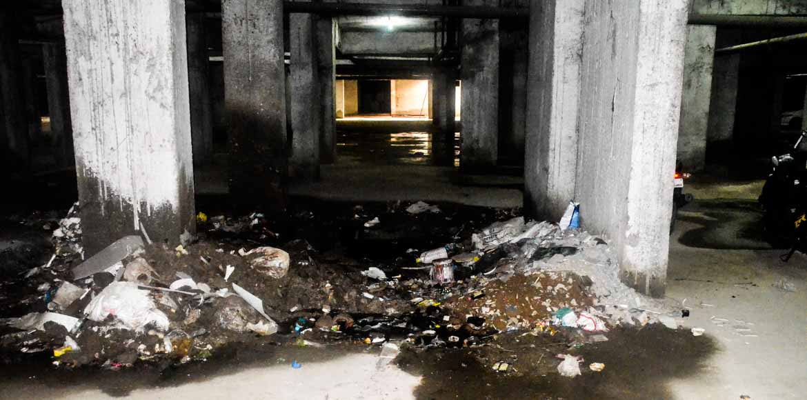 RG Residency, Noida: Garbage for garbage