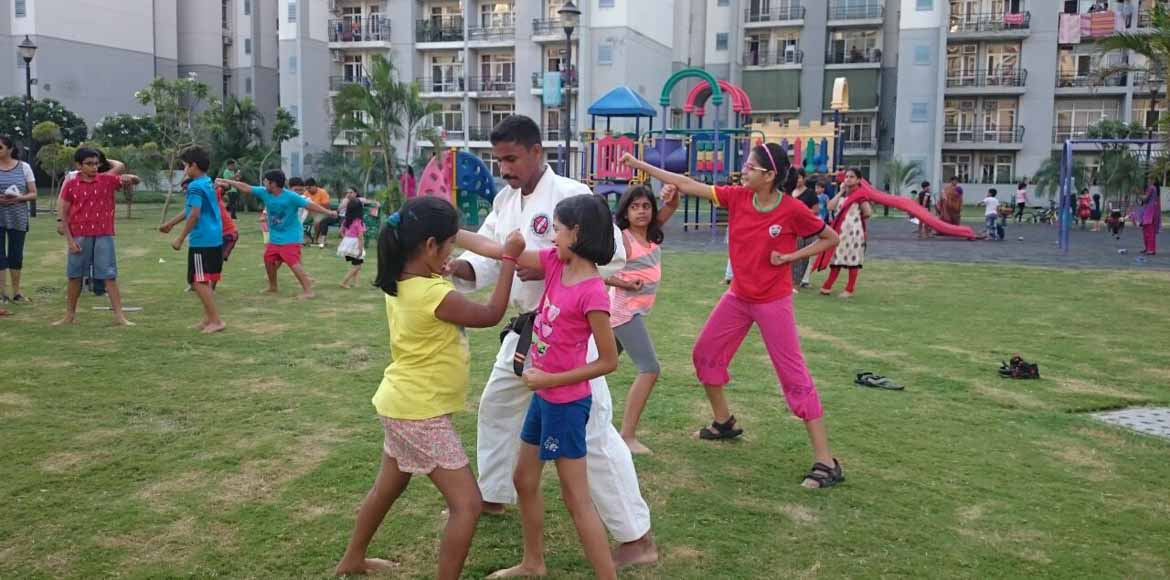 Martial arts workshop for children at Grand Omaxe,