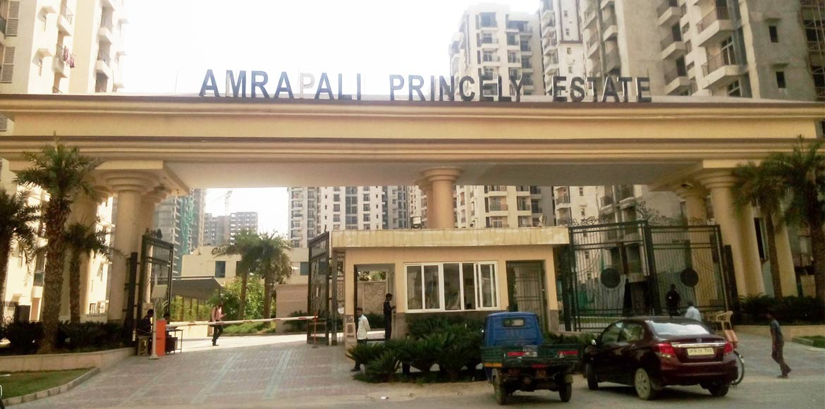 Taps run dry at Amrapali Princely Estate