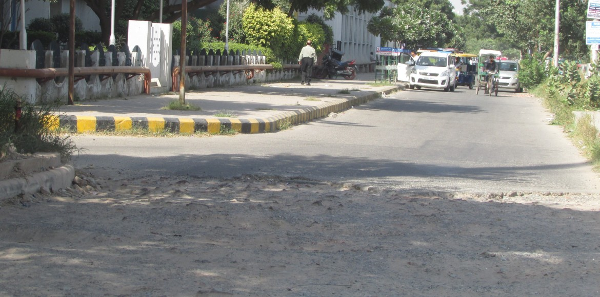 Dwarka: Roads in front of Metro stations in disrep