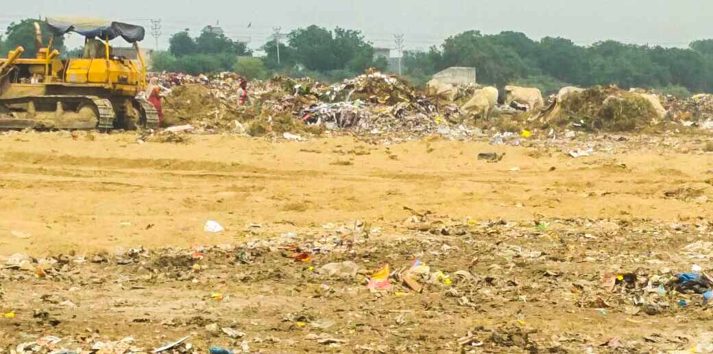 UPPCB to issue notice to Noida Authority for illegal dumping of garbage