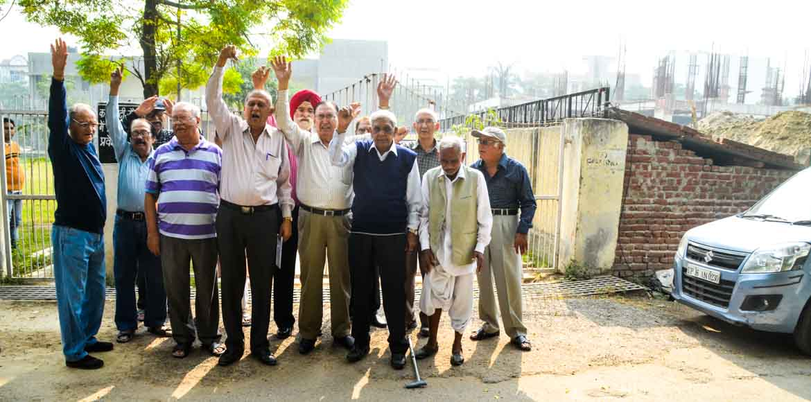 Sector 41, Noida: They're old and they're locked out of the RWA club!