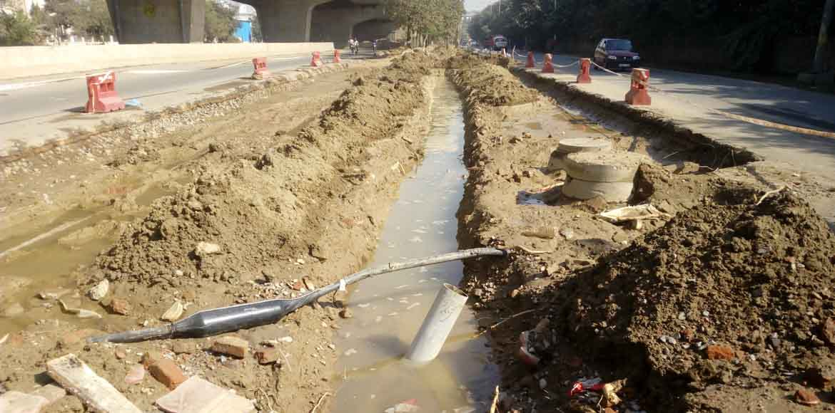 Sector 61, Noida: First cash, now water shortage
