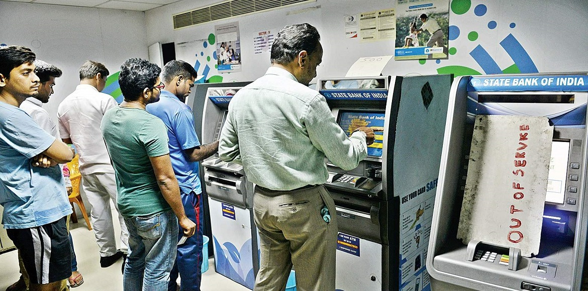 Cash crunch as banks closed and ATMs out of cash