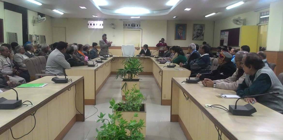Ghaziabad residents discuss issues with civic bodies and district administration