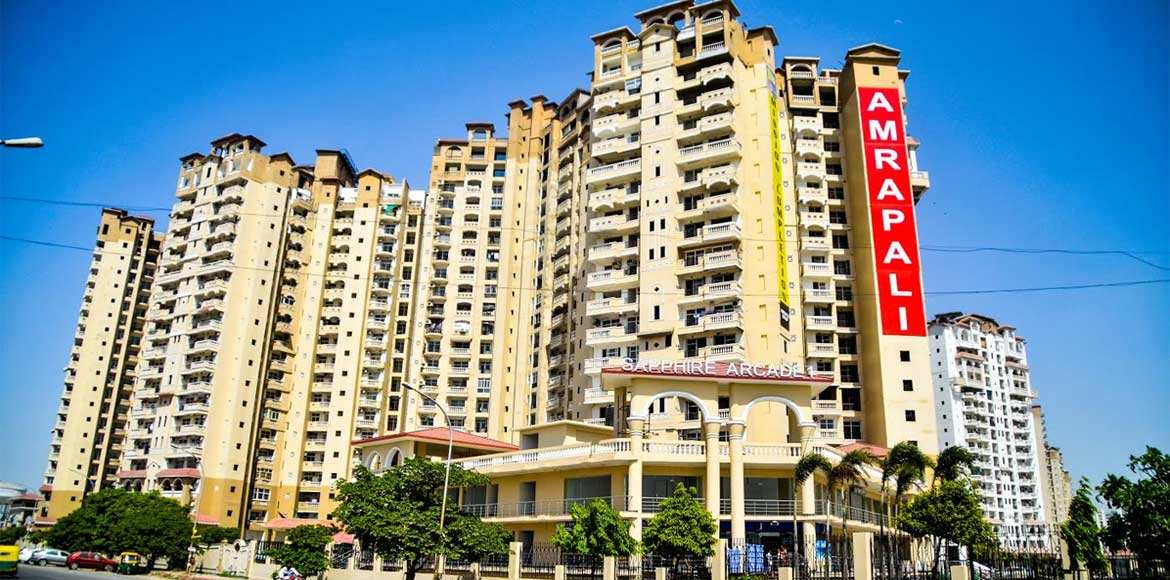 Amrapali Sapphire resident lodges FIR against buil