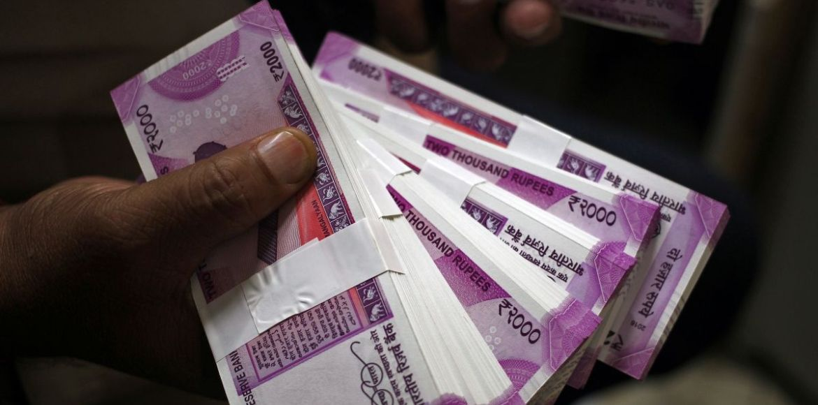 Gurgaon police seize Rs 2,000 notes worth Rs 10 lakh