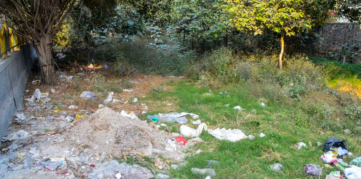 Noida Sec 47: Is that a green belt or a garbage du