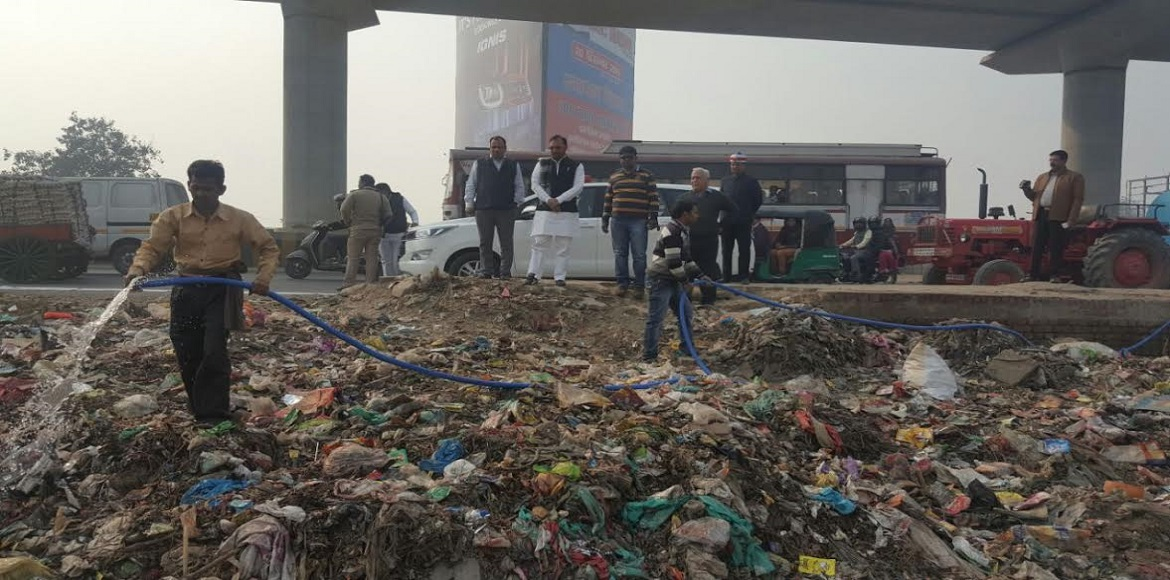 Ghaziabad Nagar Nigam uses bio enzymes to convert garbage to manure