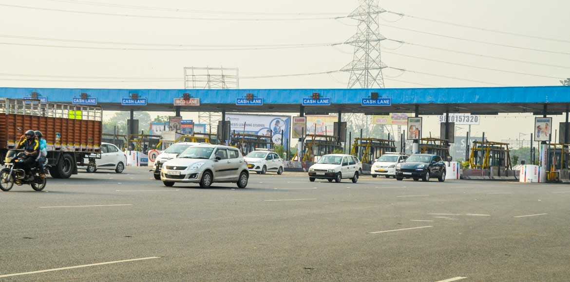 Noida residents demand maintenance of DND Flyway