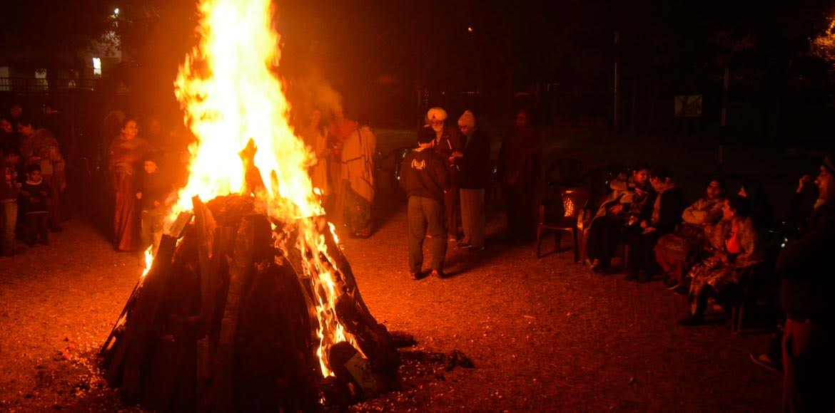 Sec 39, Noida: Cropping the cold wave with a Lohri
