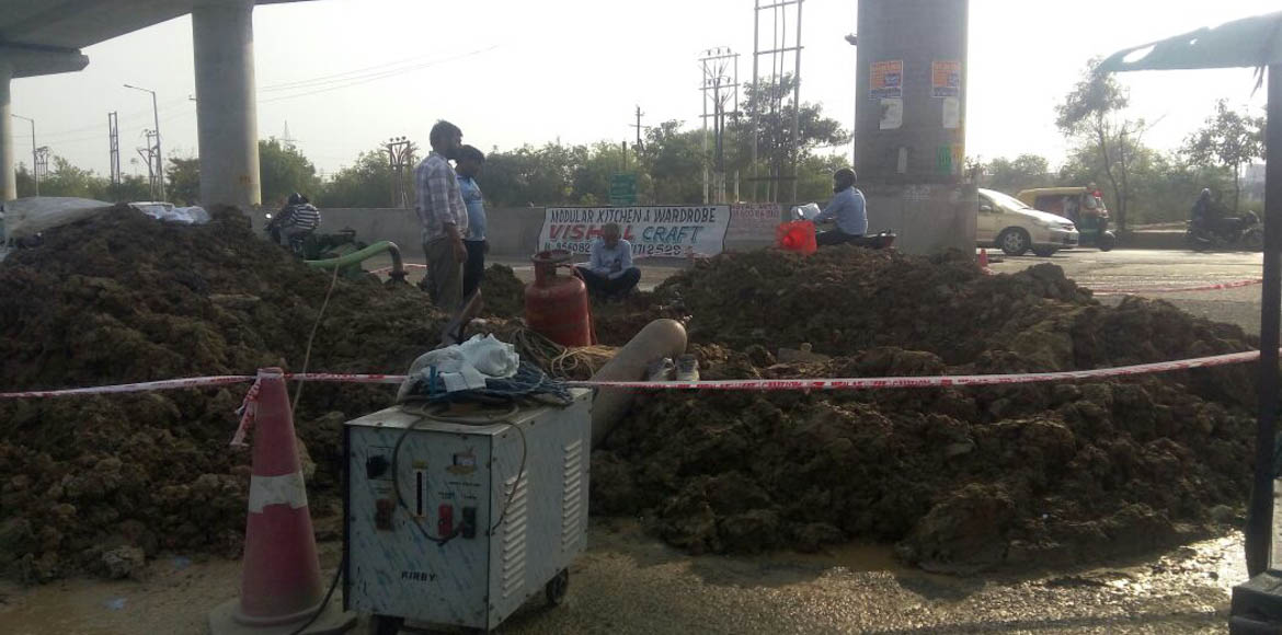 Sec 76: Noida Authority fixes water pipeline after