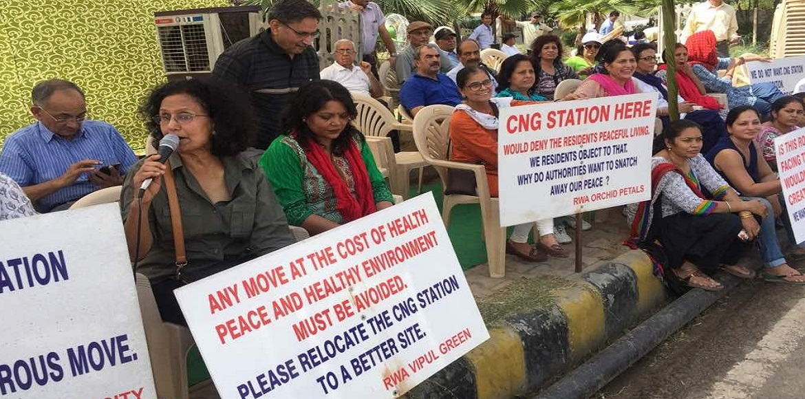 Gurgaon: First day of protest against Sohna Road CNG pump