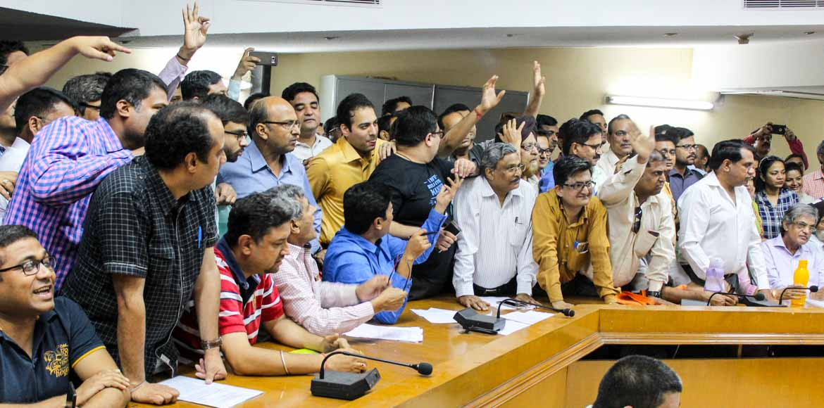 Watch angry Unitech Unihomes buyers vent their fru
