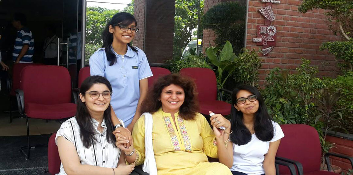 Gurgaon: Girls outshine boys in CBSE Std XII results