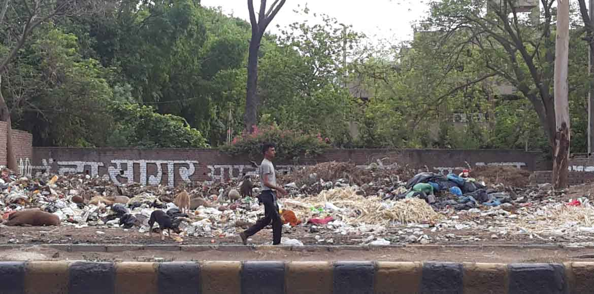 Gurgaon: Sec 17A grapples with garbage dump near e