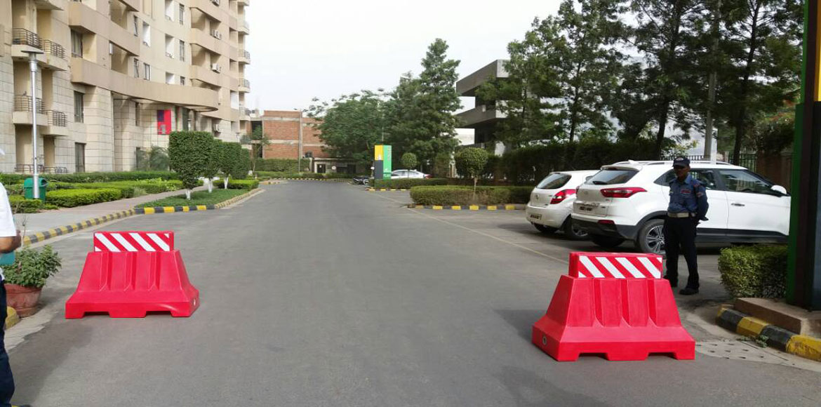 Gurgaon: Road barriers at Fresco society for safety