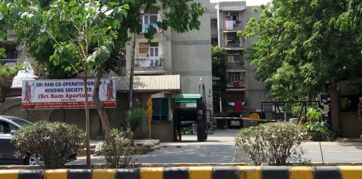 Dwarka, Shri Ram Apartments: Community and police act in unison