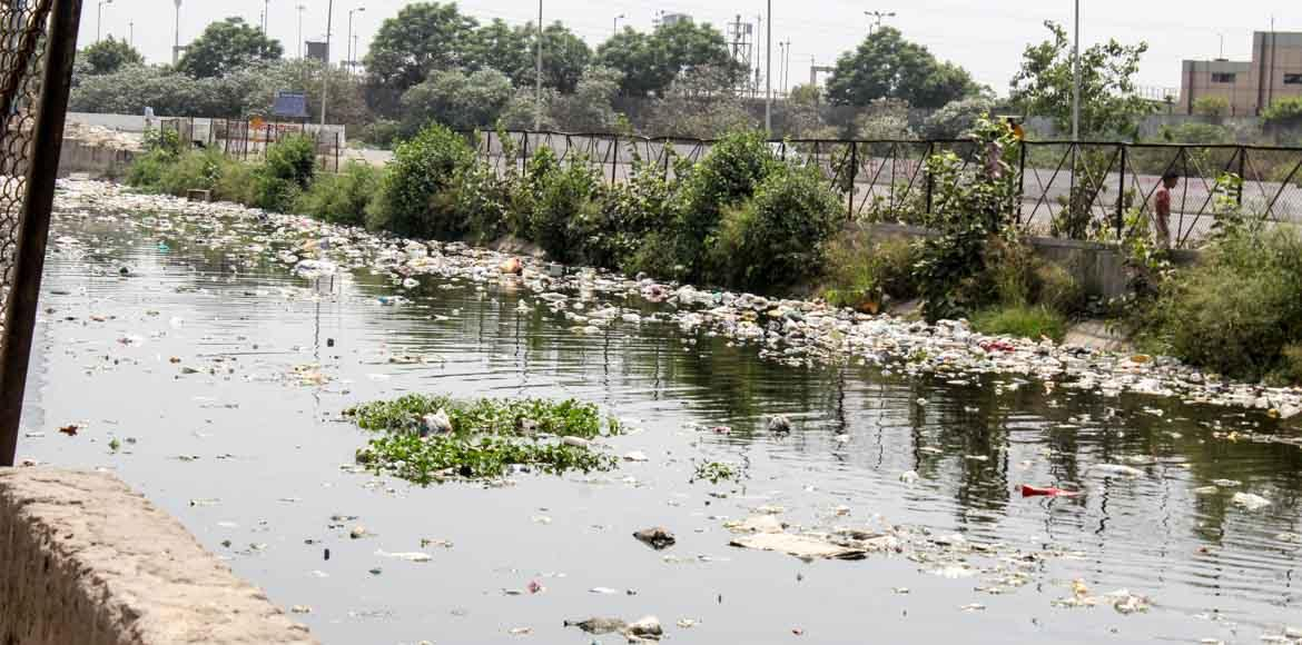 The real reason why Shahdara and Noida open drains continue to emit toxic gases