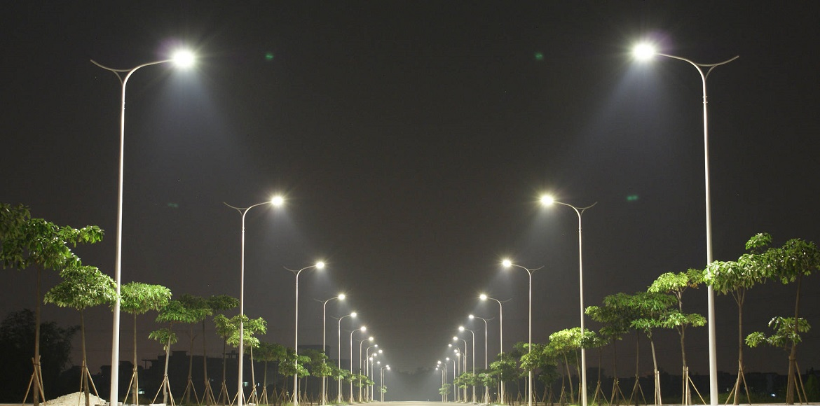 This Noida sector needs to have streetlights. Residents are at risk!