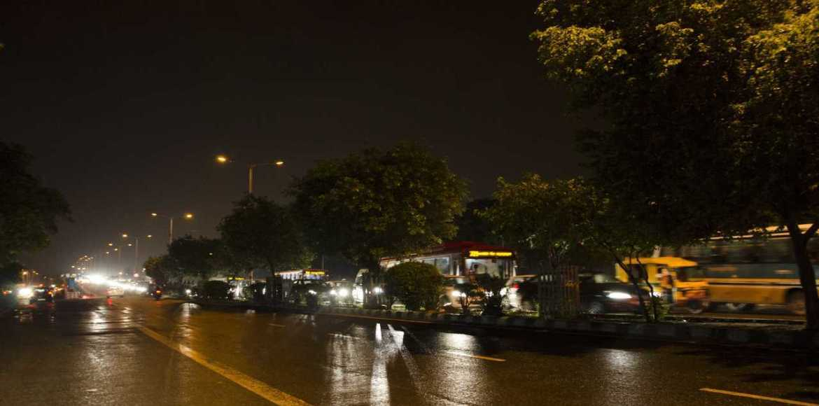 Gurgaon: Midnight ruckus in front of Uniworld Gardens