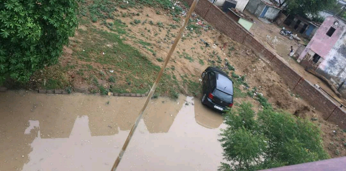 Gurgaon: Here's what Vipul World goes through after rains