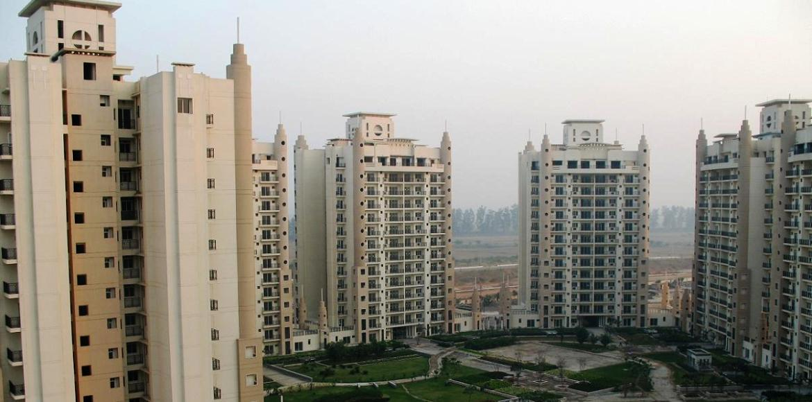 Noida builders refuse to hand over maintenance to AOAs