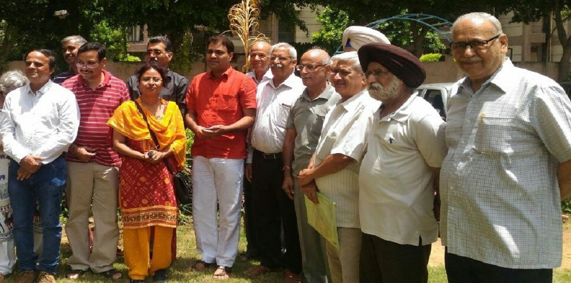 MLA Yadav promises to resolve all problems related to civic amenities