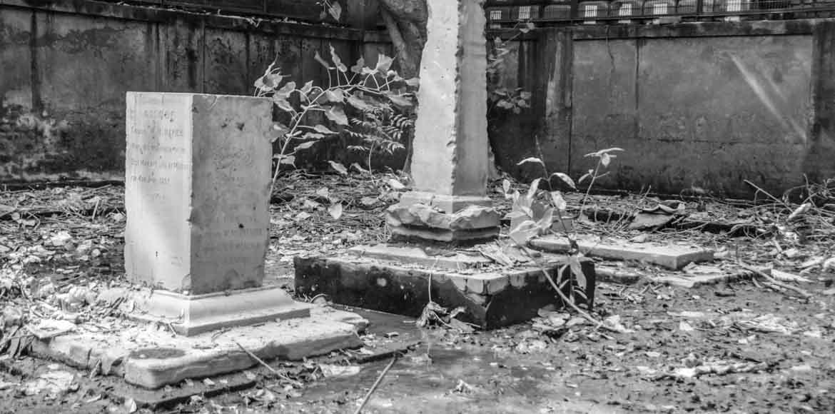 This 1857 memorial stands wedged amid scrap yards in Ghaziabad. Come take a look