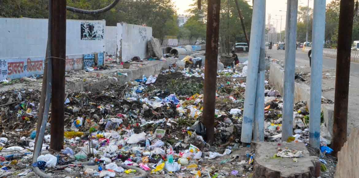 With Noida Authority's contract workers on strike, garbage mounts up in the city