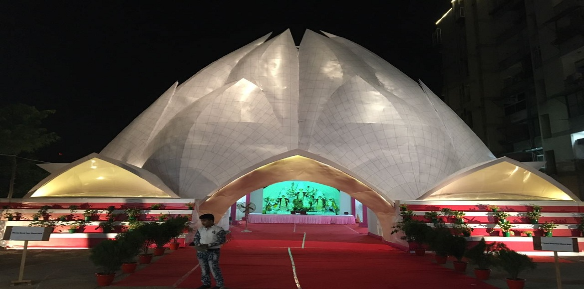 The Lotus Temple and The White House inspire Dwarka's puja pandals this year