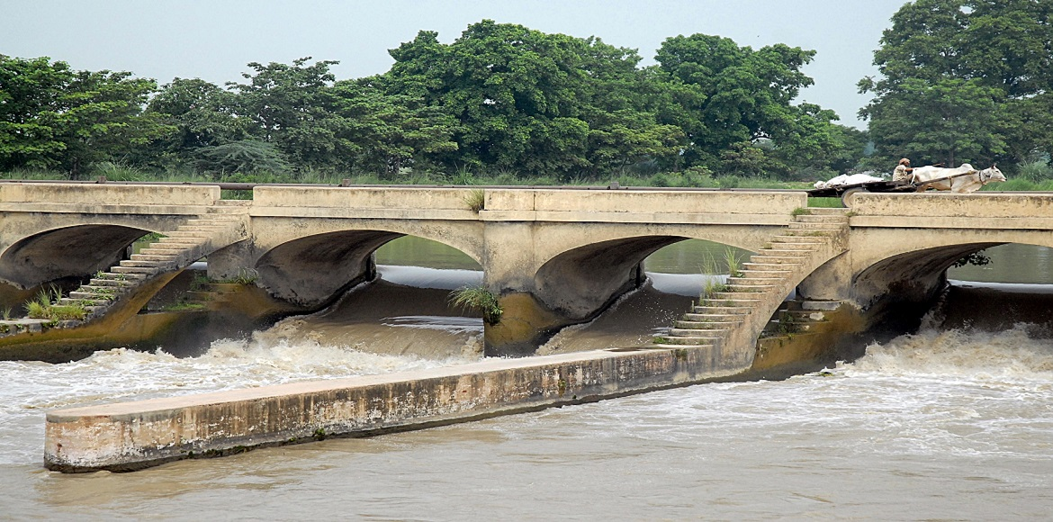 Jal Nigam suspends water supply  for cleaning cana
