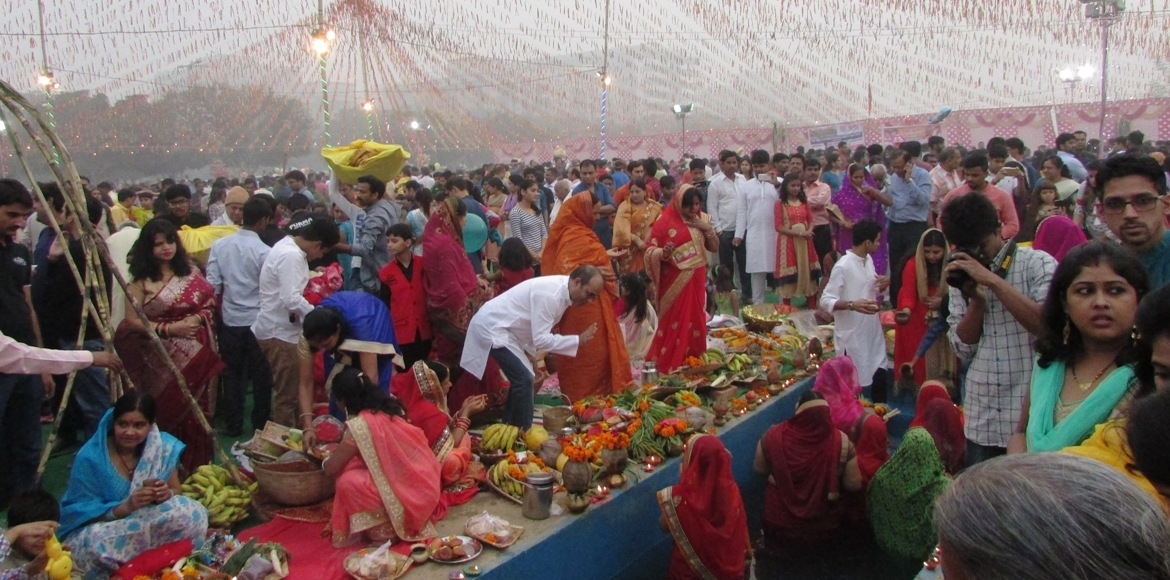 Dwarka ghats readied to host Chhath Puja crowds