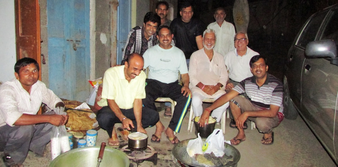Dwarka: Friends, food and a cause...