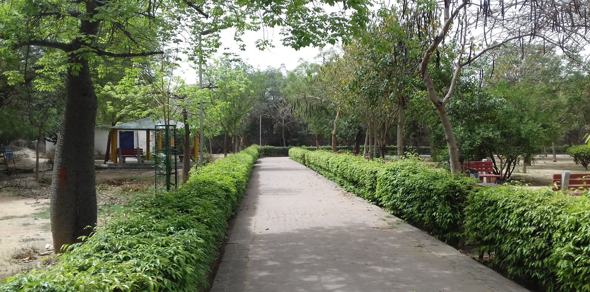 Dwarka: Parks to flash numbers of area police at the gates