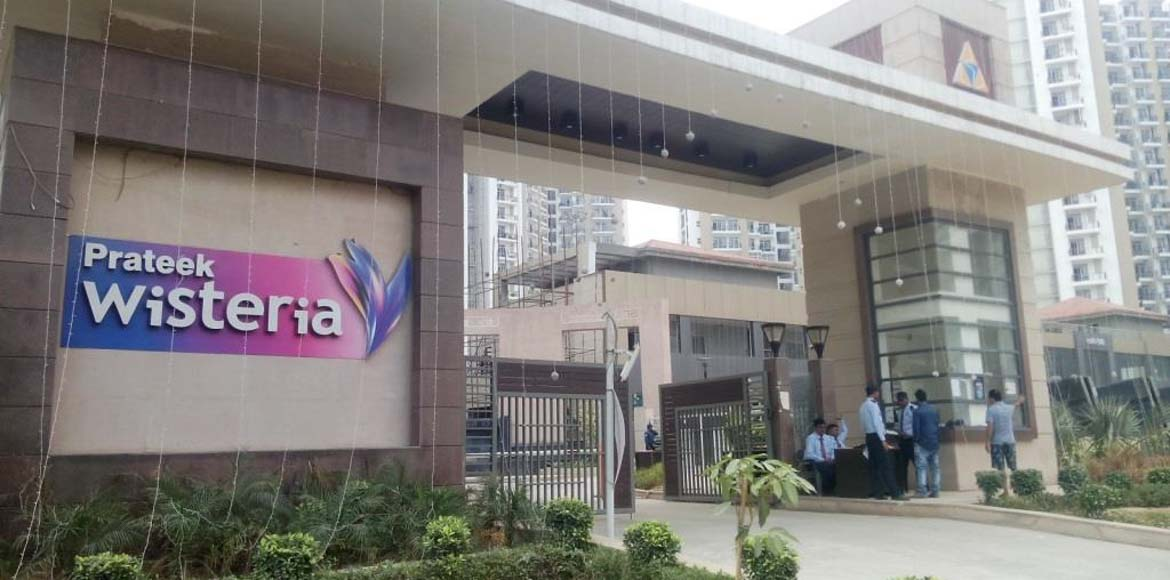 Prateek Wisteria, Noida, faces music for throwing out newborn puppies