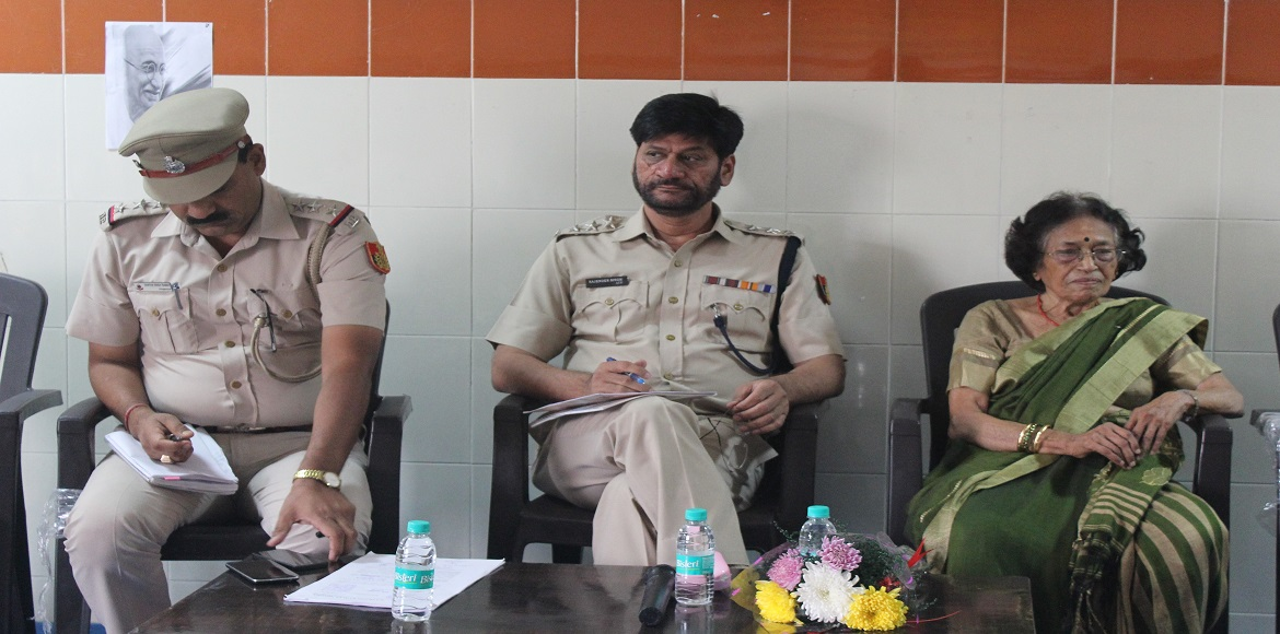 Dwarka women talk to the ACP of the subcity about security issues